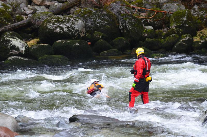 swift water    flood rescue training